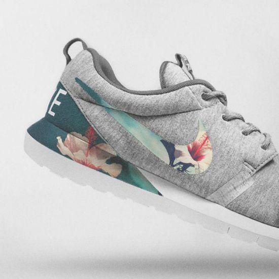 Nike Floral Roshe Customized Running Shoes resmi